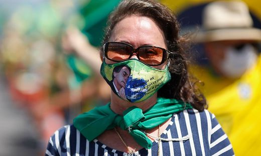 TOPSHOT-BRAZIL-HEALTH-VIRUS-BOLSONARO-RALLY