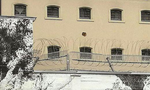 Loch in der Zellenmauer