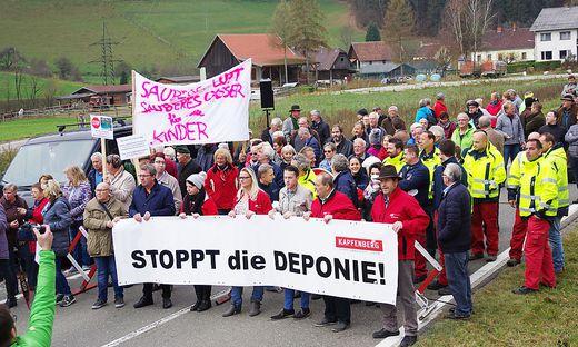Bei den Gegnern der geplanten Deponie in Stegg läuten nun die Alarmglocken