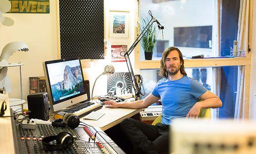 Herwig Zamernik in seinem Studio in der Wiener Wimbergergasse