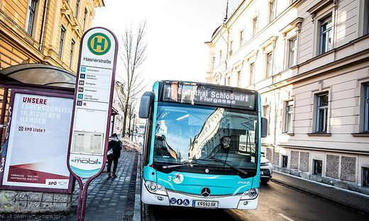Klagenfurt Mobil Bus Buslinie Bushaltestelle (frueher STW Stadtwerke) Klagenfurt