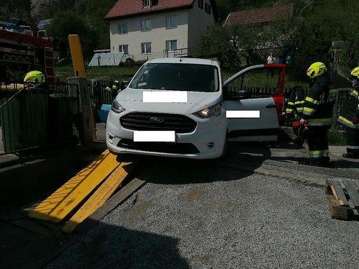 Nach zwei Stunden konnte das Fahrzeug seine Fahrt unbeschädigt fortsetzen