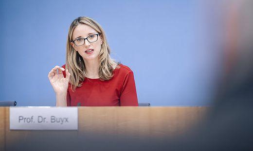 Alena Buyx, Vorsitzende Deutscher Ethikrat aufgenommen bei der Vorstellung des gemeinsamen Positionspapiers Wie soll de