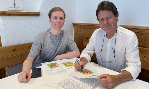 Die Grünen-Gemeinderäte Alexander Ortner und Otmar Handler sind gegen die geplante Umwidmung