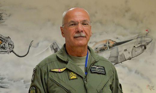 Oberst Peter Trierweiler