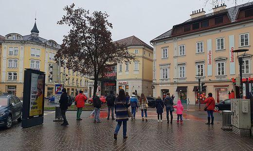 Die Klagenfurter drängt es Richtung City Arkaden.