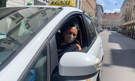 Assen (52) ist seit Montag auch für Uber auf den Grazer Straßen im Einsatz
