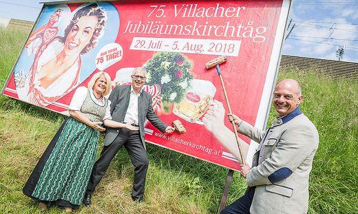 Kirchtagsobfrau Vizebürgermeisterin Sandriesser, Villacher-Bier-Vorstand Santler und Kirchtagsgeschäftsführer  Presslinger (von links)