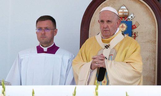Papst Franziskus am Sonntag bei der Messfeier in Budapest