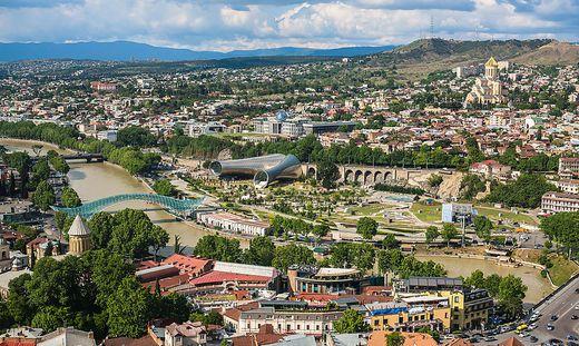 Ein Blick auf Tiflis, der Hauptstadt Georgiens