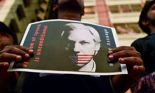FILES-BANGLADESH-US-POLITICS-MEDIA-PRESS-CONFLICT
