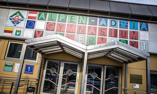 Alpe Adria Gymnasium Völkermarkt April 2015