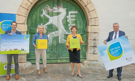 Friedrich Hofer (Klimabündnis Steiermark), Andrea Gössinger-Wieser (Klimaschutzkoordinatorin Land Steiermark), Landesrätin Ursula Lackner, LH-Stv. Anton Lang