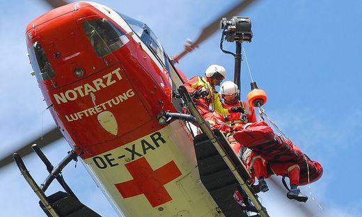 Der verletzte Veldener wurde mit dem Rettungshubschrauber RK 1 ins Klinikum Klagenfurt gebracht (Symbolfoto)