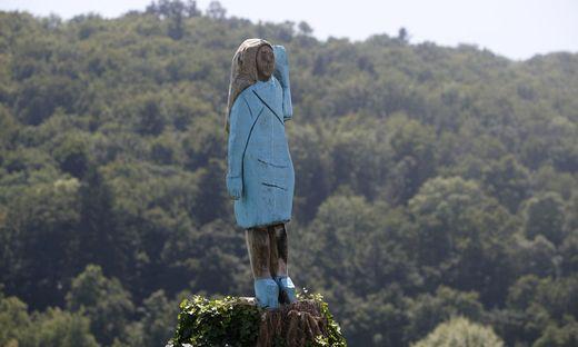 """Melania""-Statue in Sevnica"
