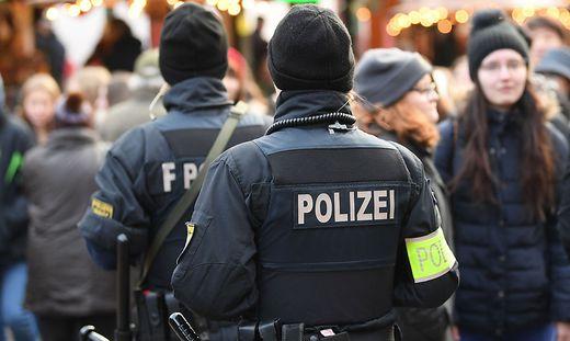 Sicherheit auf einem Frankfurter Weihnachtsmarkt
