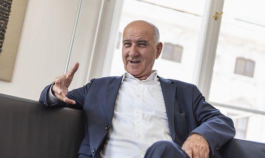 Sarajuddin Rasuly warnt im Interview in der Wiener Redaktion der Kleinen Zeitung vor einer blauäugigen Asylpolitik