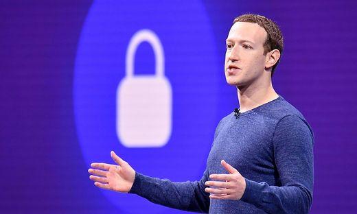 Die Klinik ist nach Zuckerberg benannt worden, weil Mark Zuckerberg und seine Frau Priscilla Chan der Einrichtung vor drei Jahren 75 Millionen Dollar (63,12 Mio. Euro) gespendet hatten