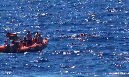 Mehr als 200 Migranten im Ärmelkanal aufgegriffen