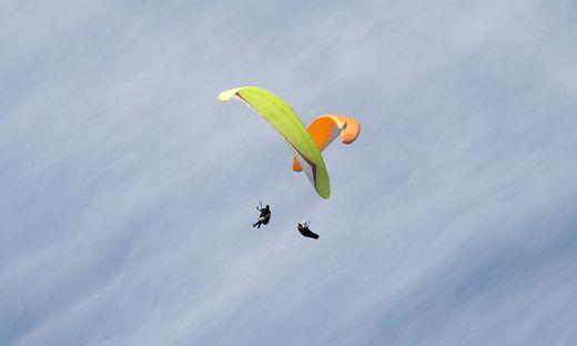 Auf der Emberger Alm in Oberkärnten kam es am Samstag zu einem schweren Paragleiter-Unfall (Symbolfoto)