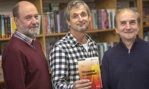 Hans-Peter Hutter (Mitte) mit den Kollegen Moshammer und Wallner