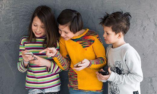 Aus dem Leben und damit auch aus dem Schulalltag sind Handys nicht mehr wegzudenken