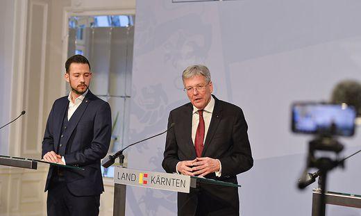 Schuschnig (links), Kaiser (rechts) und Gruber informieren
