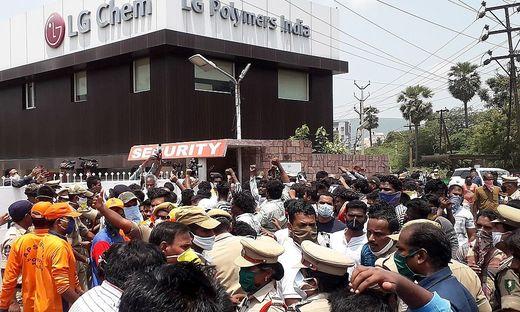 Proteste vor der Fabrik von LG Chem