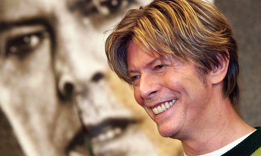 FILES-FRANCE-MUSIC-BOWIE