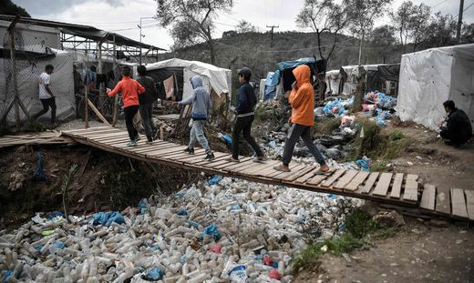 Kinder im griechischen Flüchtlingslager Moria
