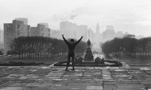 So sehen Jogginghosen-Träger aus, wenn sie zu Helden werden: Rocky in seiner berühmtesten Szene