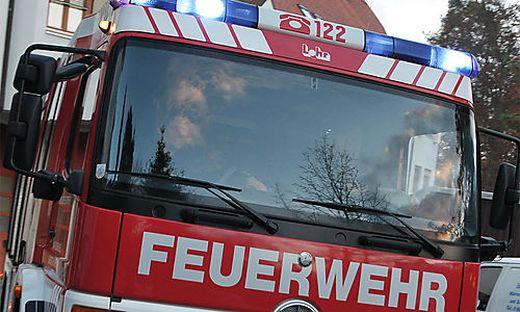 Im Einsatz standen die Freiwilligen Feuerwehren Launsdorf, Thalsdorf und St. Veit.