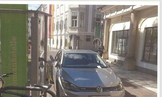 Bei dieser Stromtankstelle hatte der Rechtsanwalt immer wieder sein Elektroauto angeschlossen. Insgesamt kassierte er dafür sechs Strafzettel