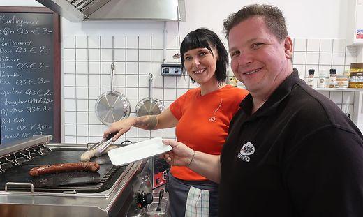 Segafredo-Chef Rene Reiter und Mitarbeiterin Tanja Koglbauer