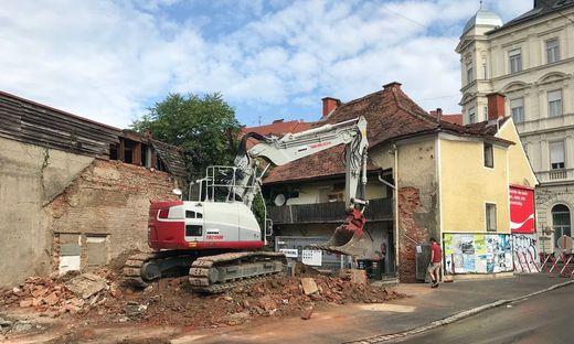 Abbruch eines Hauses beim Dietrichsteinplatz