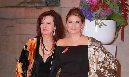 121 Baccara Mayte Mateos und Mar�a Mendiola auf dem roten Teppich zur Kuenster gegen Aids Gala 201