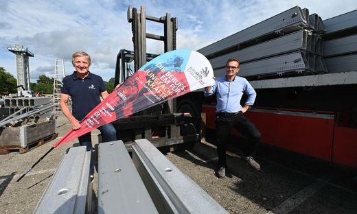 EuroSkills-Aufsichtsratvorsitzender Josef Herk (l.) mit Logistiker Gerald Prabitz