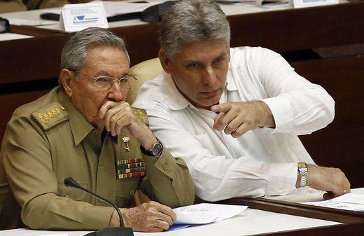 Raul Castro mit Miguel Diaz-Canel