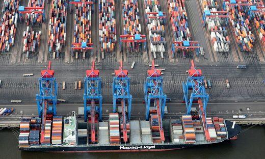 Der Hafen in Hamburg als wichtiger Umschlagplatz