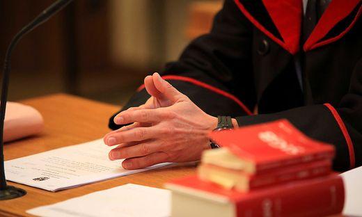Zwei Psychologen standen am Montag in Klagenfurt vor Gericht. Die beiden sollen den Ex-Mann der Frau verfolgt und verleumdet haben (Symbolfoto)