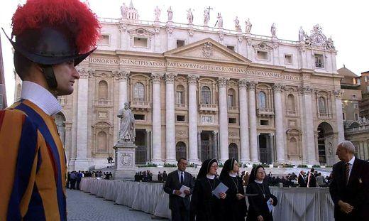 Aus dem Vatikan ist angekündigt, dass es weitere Weisungen für Kärnten geben wird