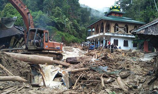 INDONESIA-FLOOD-LANDSLIDE