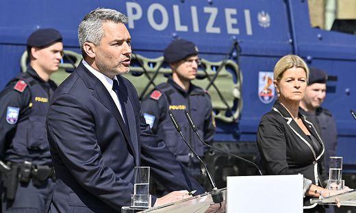 Innenminister Karl Nehammer und Verteidigungsministerin Klaudia Tanner