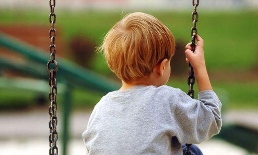 Mutter eines autistischen Kinder verklagt die Stadt