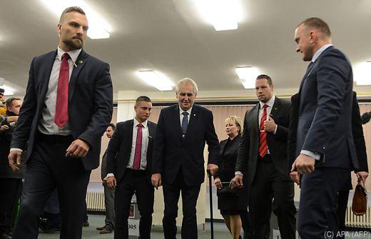 Duell der Gegensätze - Tschechen wählen Präsidenten
