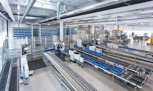 Der Strom für die Getriebeproduktion kommt aus der werkseigenen Fotovoltaikanlage