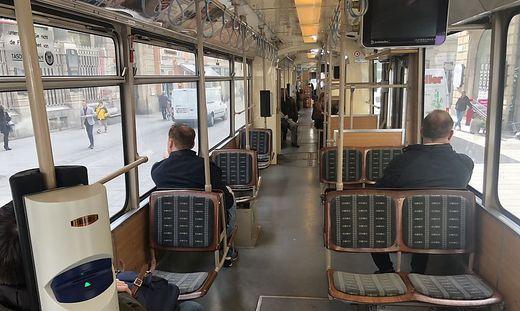 Subjektives Gefühl laut Holding: Die Straßenbahnen sind leerer als sonst.