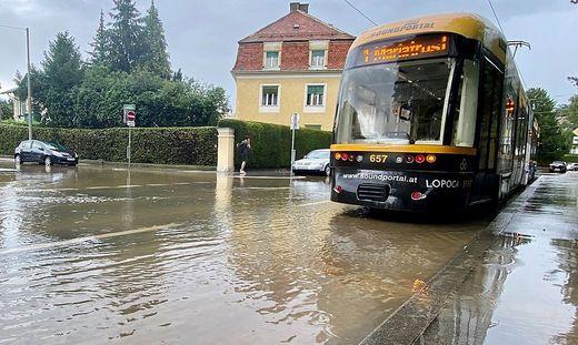 Überflutung im Bereich Leechgasse/Herdergasse