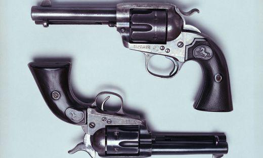 Above Bisley Model 45 Colt Kaliber 45 below Bisley Model 45 Colt Kaliber 45  USA, 19th century