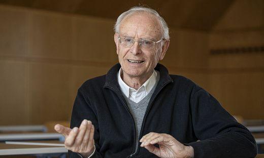"""Soziologe Paul Kellermann sagt, dass alle """"ihr eigenes Verständnis"""" des Gorman-Gedichtes haben"""